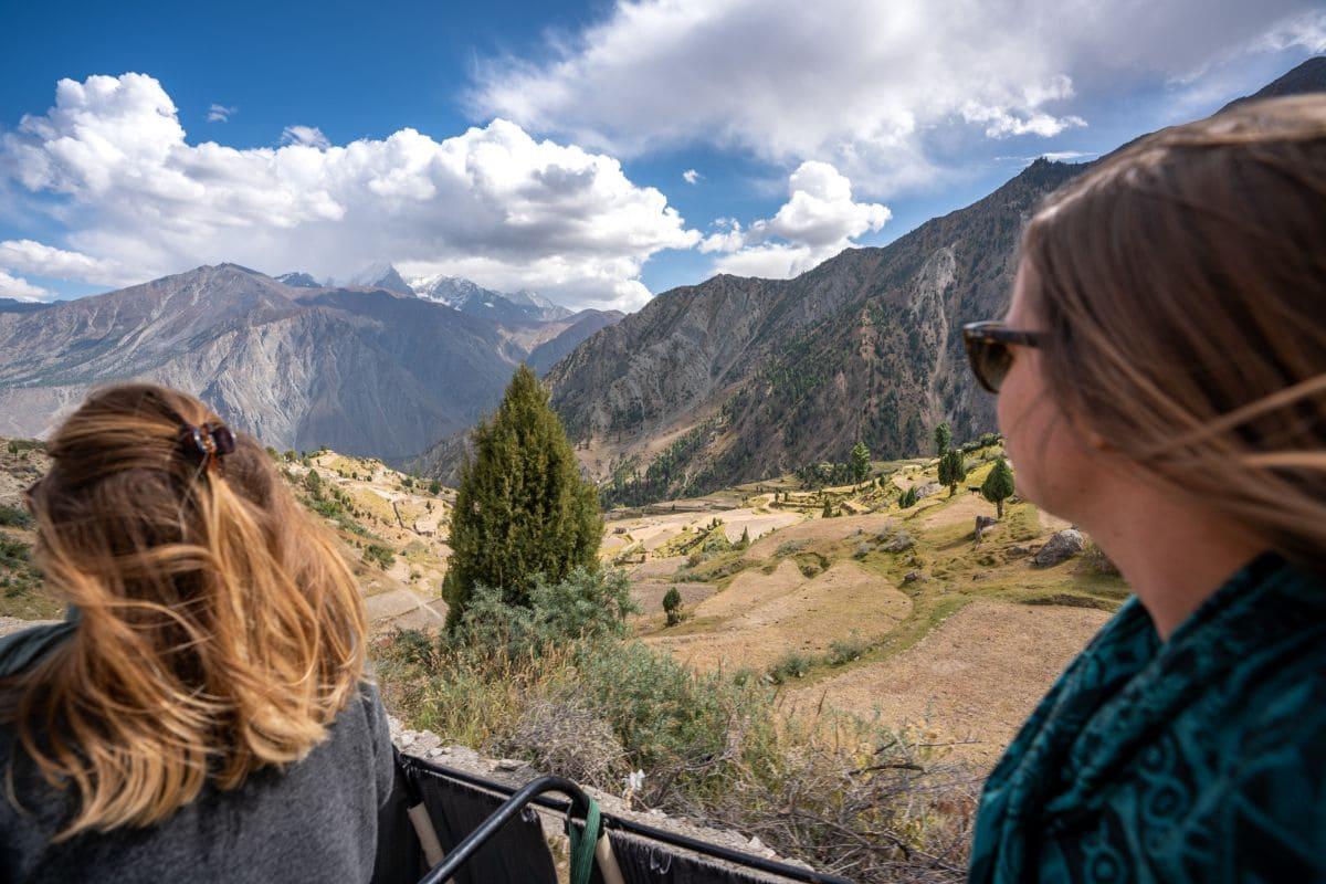Female tourists in Gilgit Baltistan1