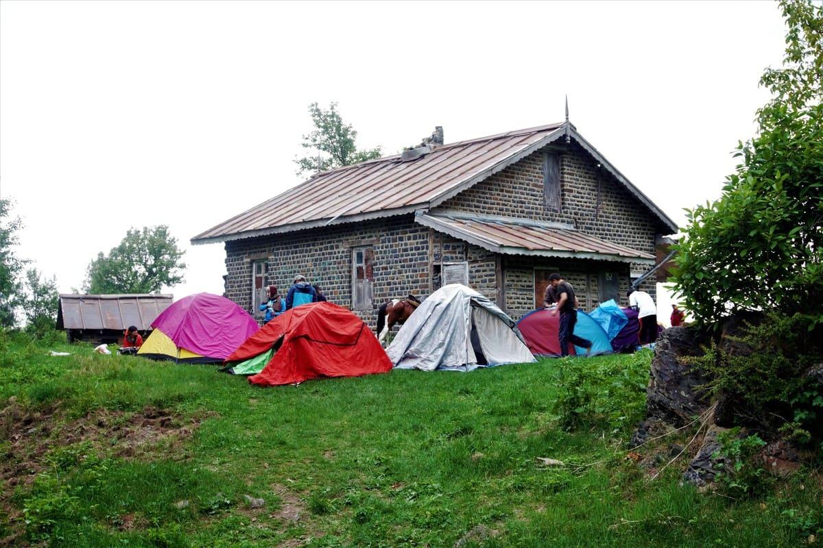 Tourists camping on trekking trip to Dagri Bangla
