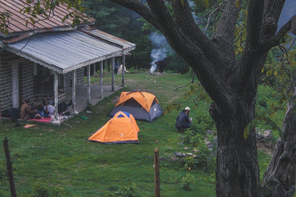 Tourists camping on trekking trip to Dagri Bangla(1)