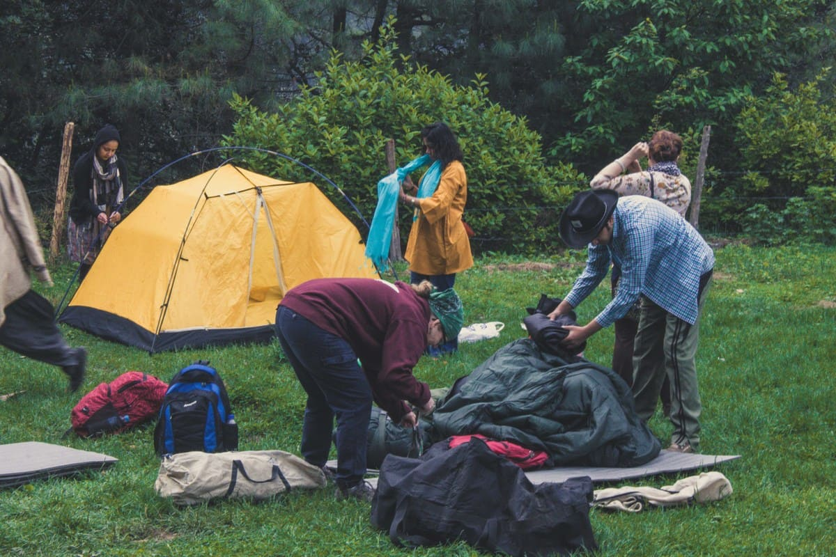 Tourists camping on trekking trip to Dagri Forest(3)