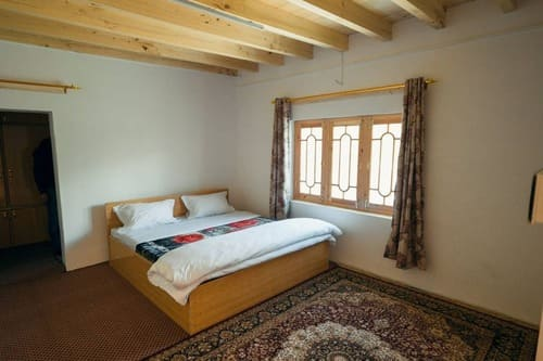 8 Beds Traditional Guest House in Gulmit Hunza