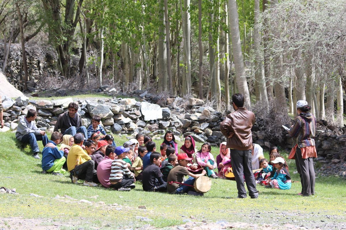 local kids volunteer Hunza